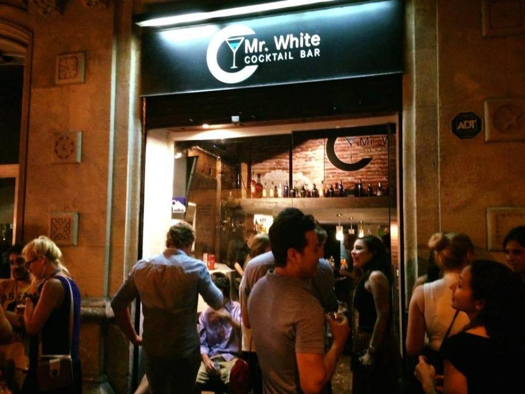 Mr White Bar - Los mejores Gin Tonic de Barcelona!